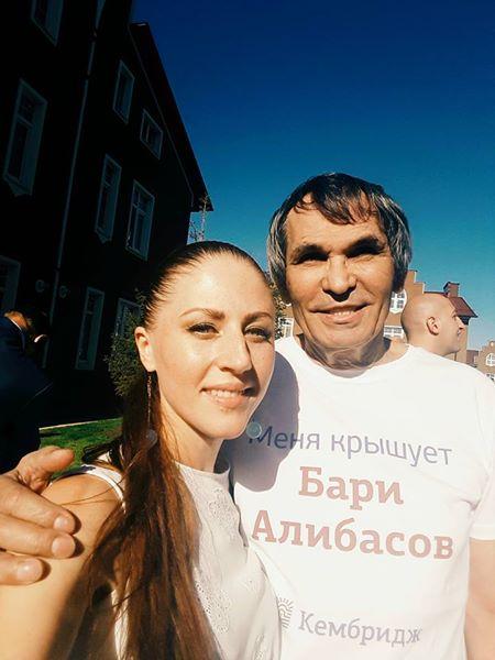 Бари Алибасов с Варварой Головко